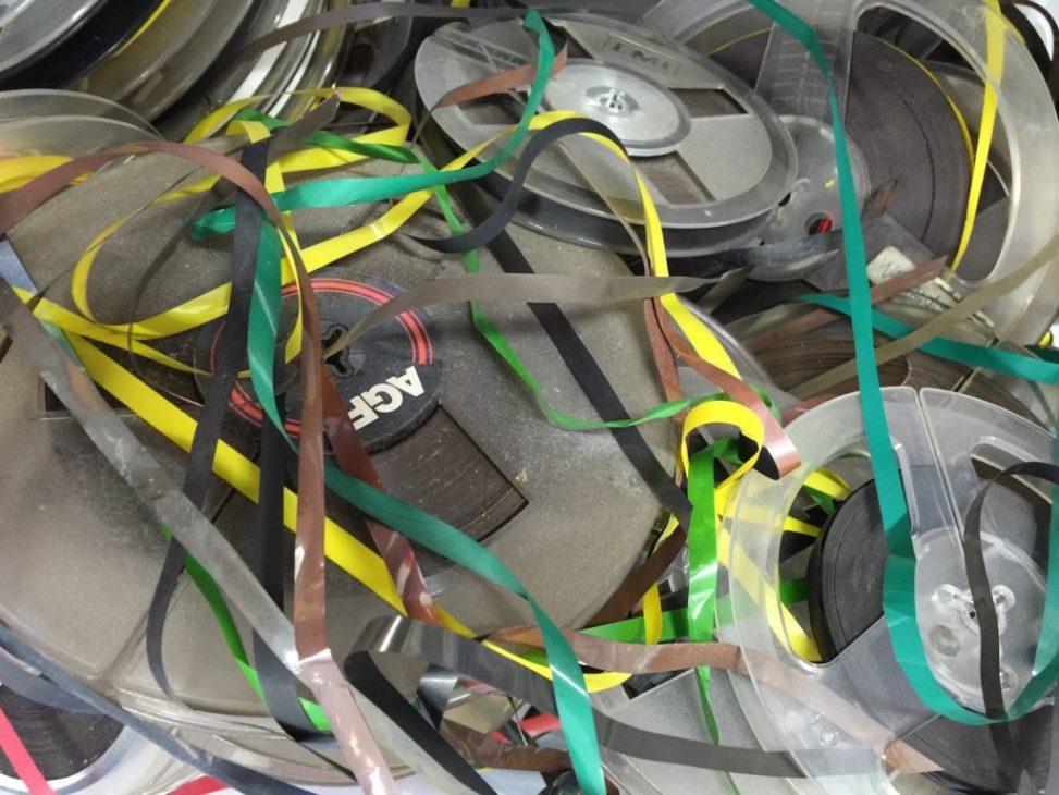 Loose reel to reel tapes